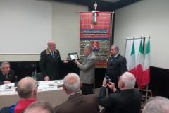 Consegna di una targa al Cavalier Antonio Beretta in segno di stima per il lavoro svolto come Presidente Nazionale dei Fanti